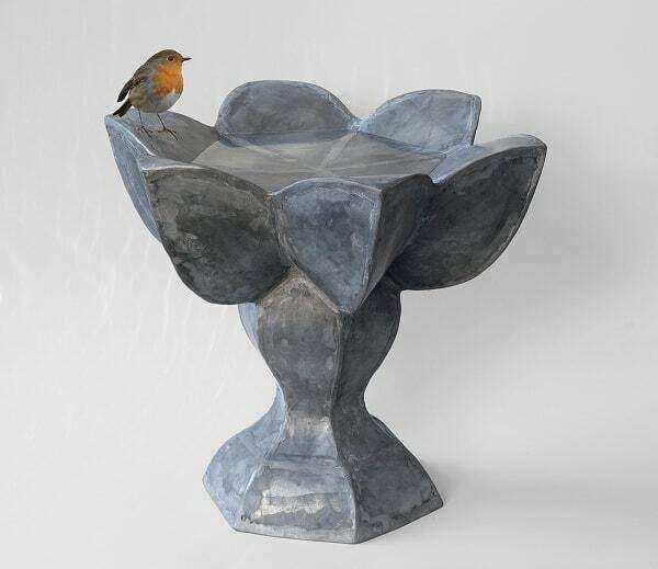 Vogeldrinkschalen ontworpen door Mary Geradts
