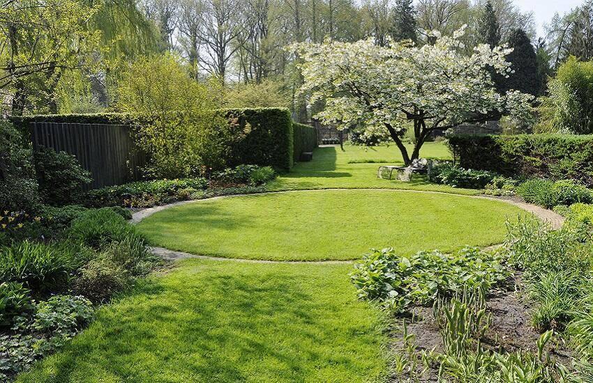 Tuinen Mien Ruys Geletuin in het voorjaar